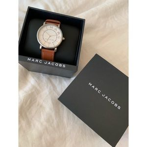 Mac Jacobs Roxy Silver Brown Leather Watch
